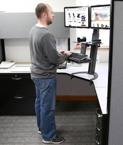 Exploring The Pros And Cons Of A Standing Workstation